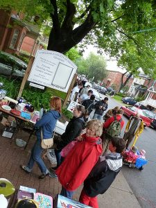 450px-Great_Glebe_Garage_Sale_May_2011