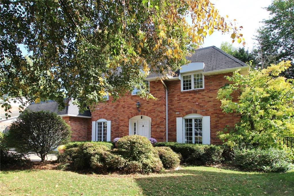 17 LACEWOOD COURT